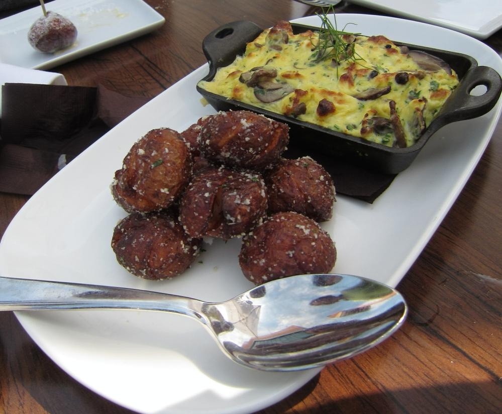 Mushroom and ricotta omelette